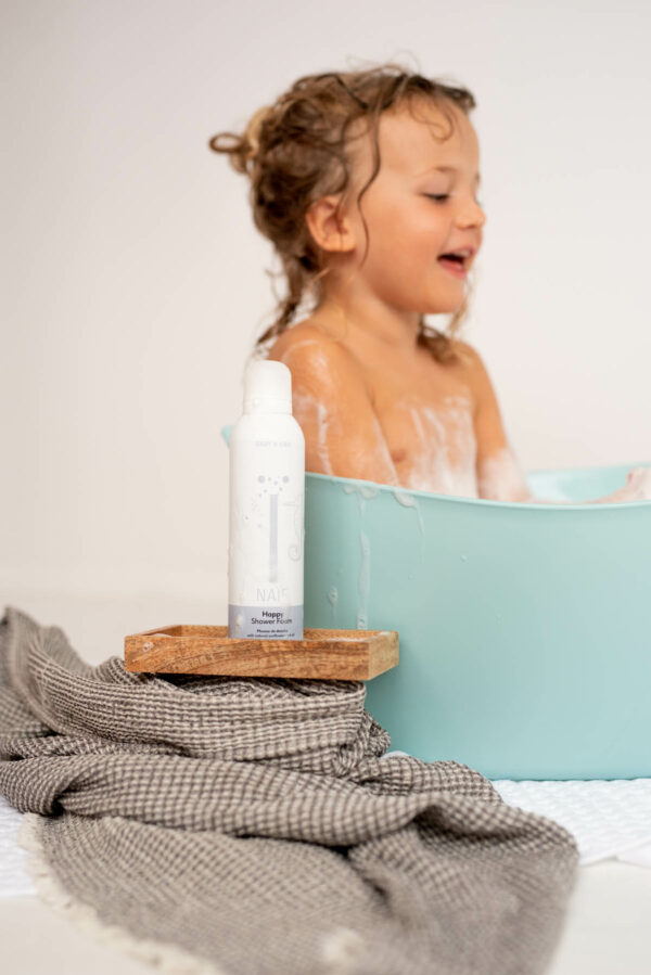 Shower foam Naïf