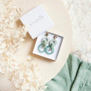 ✨STUDIO NOK NOK✨ . Binnenkort de volledige Salty sunrise collectie te koop op onze webshop! Nog heel even geduld! 😉 . #feelsfabulous #thefeelgoodstore #feelthespringvibes #familyconceptstore #matchingearrings #spoilyourself #studionoknok #earrings #earringsmaketheoutfit #staytuned #perfectgift #ondernemeninbelgië #shoponline #soononline