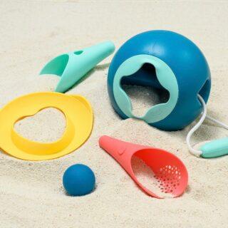 ✨QUUT✨ . Strandspeelgoed met een mooi design én handig in gebruik! . #feelthesummervibe #quut #quuttoys #outdoorfun #kids #strandspeelgoed #beach #playingoutside