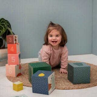 ✨TRIXIE✨ . Plezier gegarandeerd met deze stapelblokken van Trixie! Aan elke kant van de blokken kan je een ander thema ontdekken, zodat kinderen op een speelse manier kunnen bijleren. . #funmetfeels #feelsgoodtolaugh #feelslikemagic #trixie #trixiebaby #sustainable #play #colourful #ecofriendly #stapeltoren #speelgoed #lerentellen #kraamcadeautjes #shoplocal