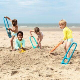 ✨BUITENSPEELDAG✨  . Het strandspeelgoed van Quut is ook gemaakt om in de tuin te spelen, dubbel zoveel plezier!  . #feelsstore #feelsgreat #fanvanfeels #buitenspeelgoed #duurzaam #speelgoed #peuter #kleuter #buitenspelen #duurzaamleven #speelgoedwinkel #shoponline #playingoutside #bewustouderschap #quuttoys #buitenspeeldag #zandspeelgoed #strandspeelgoed #ophetstrand #indezandbak